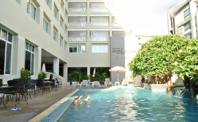 Crown Pattaya Beach Hotel