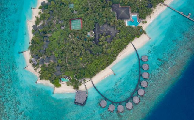 Adaaran Select Meedhupparu Resort Maldives