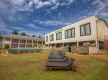 Avenra Beach Hotel  4*