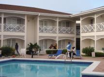 Four Seasons Hotel 3*