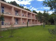 Brzet Omis Hotel
