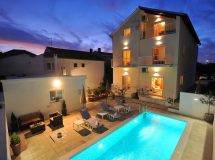 Batur Apartments
