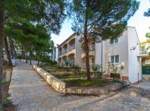Beach Apartments Lavica   3*