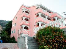 Tamara Apartments 3*