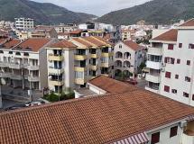 Apartmani Azzuro 4*