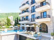 Amfora Petrovac Hotel 4*