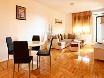 Adriatik Lux Apartments 4*