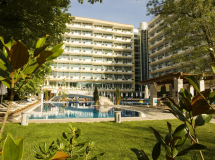 Grand Hotel Oasis Sunny Beach 4*