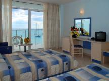 Dolphin Marina Hotel 2020