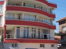 Akris Hotel  3*