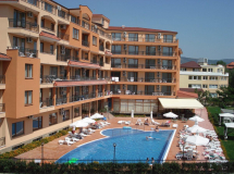 Happy Aparthotel & Spa 3*