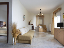 Chrousso Hill Apartments 2019