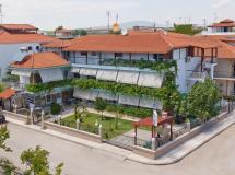 Отель Artemis Apartments