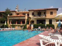 Отель Petridis Beach Apartments