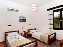 Отель Dolphin Apartments