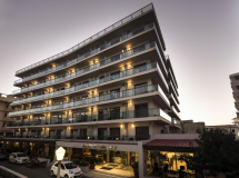 Manousos City Hotel 3*