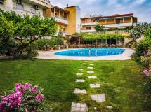 Roxani Hotel 2*