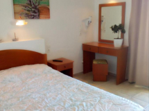 Aspri Petra Hotel Apartments