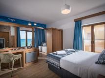 Yianna Caravel Hotel