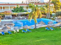 Captain Karas Holiday Apartments  3*