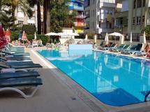 Blue Heaven Apart Hotel 2020