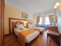 Azade Hotel
