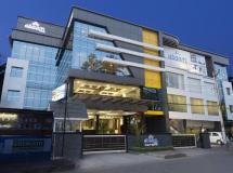 Abaam Cochin Hotel 3*