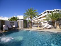Burnas Beach & Apartments 3*