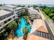 Sea Breeze Jomtien Resort  3*
